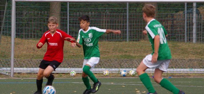 Die D1-Kickers starten mit Heimerfolg über Striesen 3